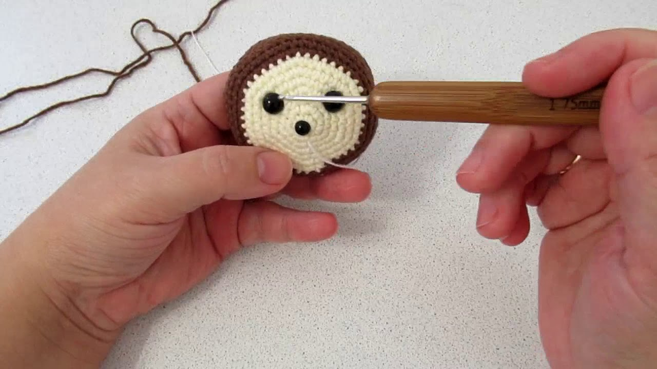 мастер-класс по вязанию чебурашки, мк ёжик, вязание ёжика, как связать чебурашку, фото, картинка, мастер-класс, мк, схема, описание, крючком, амигуруми, игрушка, фотография