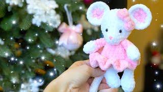 Маленькая мышка в платье крючком. Видео мастер-класс, схема и описание по вязанию игрушки амигуруми