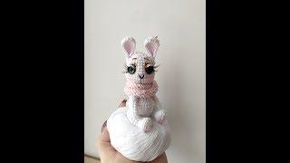 Маленький зайка крючком. Видео мастер-класс, схема и описание по вязанию игрушки амигуруми