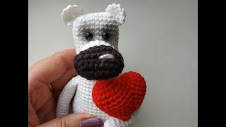 Мишка с сердечком крючком. Видео мастер-класс, схема и описание по вязанию игрушки амигуруми