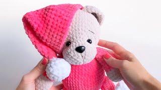 Мишка в пижамке крючком. Видео мастер-класс, схема и описание по вязанию игрушки амигуруми