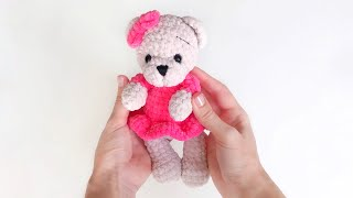 Мишка в платье крючком. Видео мастер-класс, схема и описание по вязанию игрушки амигуруми