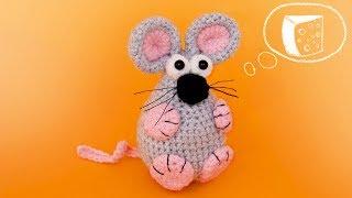 Мышка брелок и ёлочная игрушка крючком. Видео мастер-класс, схема и описание по вязанию игрушки амигуруми