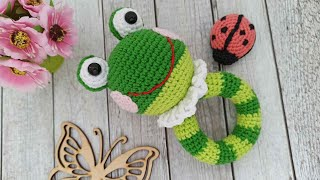 Погремушка лягушонок крючком. Видео мастер-класс, схема и описание по вязанию игрушки амигуруми