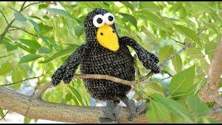 Ворона крючком. Видео мастер-класс, схема и описание по вязанию игрушки амигуруми